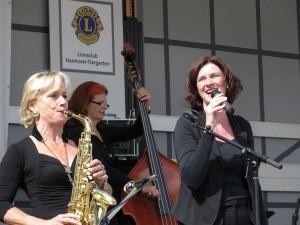 Marie-Louise Sannmann (links) mit ihren Mitstreiterinnen