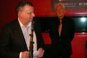 Lions-Präsident Detlef Lehner (links) mit Bürgermeister Bernd Strauch