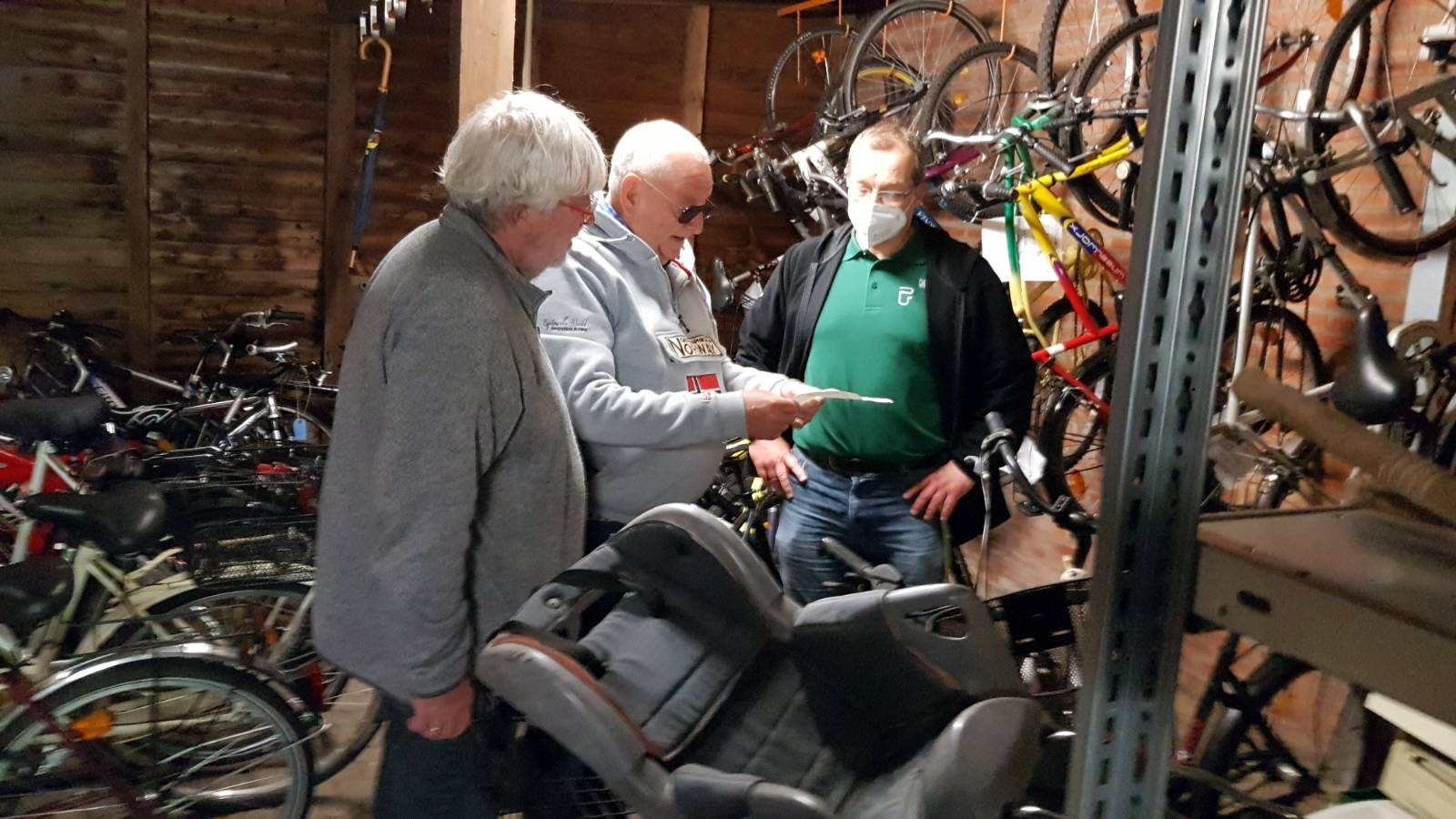 Lions unterstützen Fahrradwerkstatt an der Peter-Ustinov-Schule